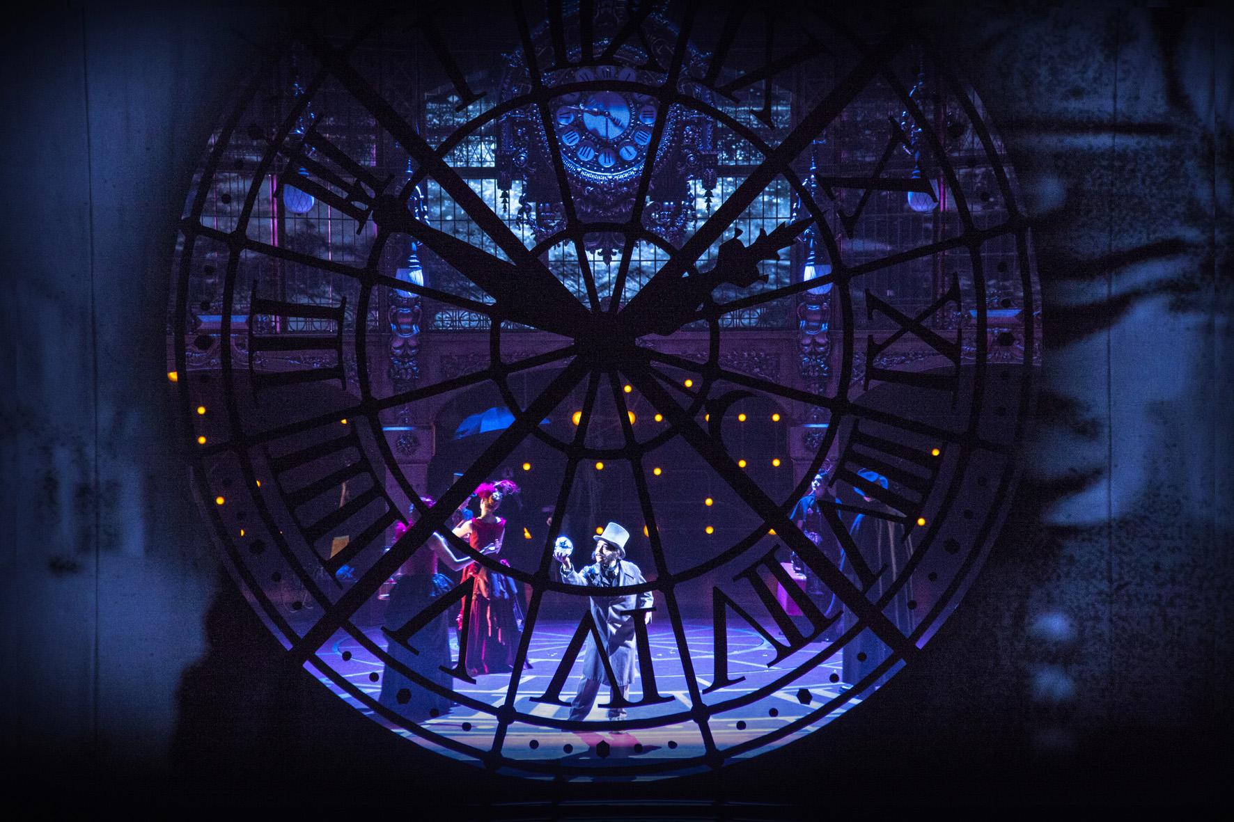 la-vie-parisienne-scenographie-bruno-de-lavenere-©-etienne-guiol-02
